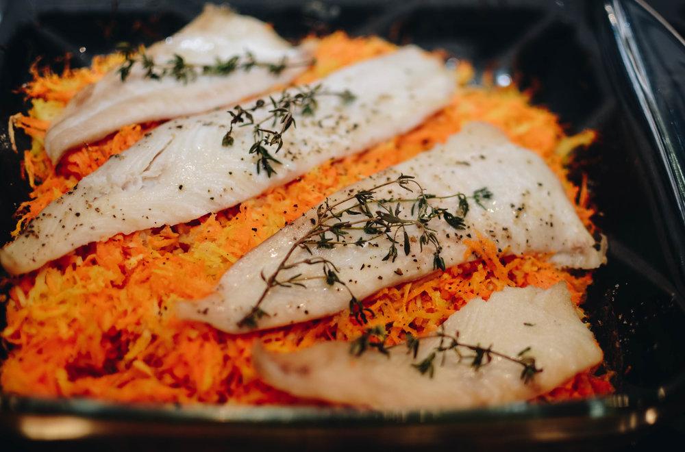 rockfish baked over vegetables