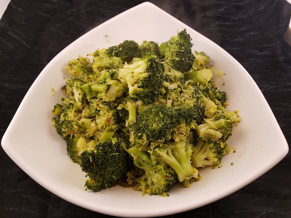 STEAMED BROCCOLI WITH LEMON SOY SAUCE DRESSING -
