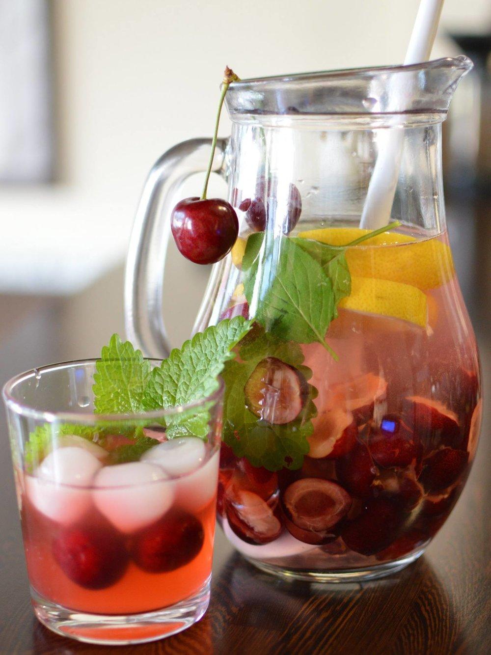 Domáce sirupy a sezónne ovocie - 0,50€  / 0,1dl