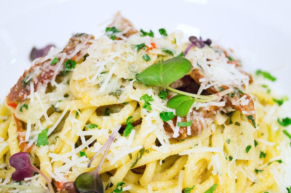 Spaghetti all'aglio olio pomodori secchi 250g - 6,10€