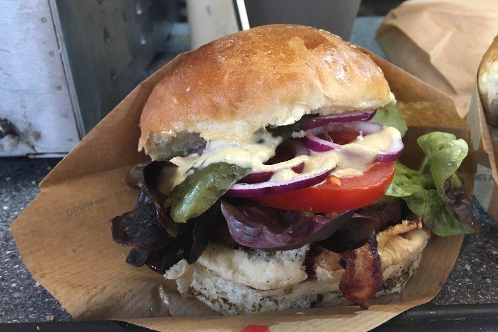 Lokál burger - 6€