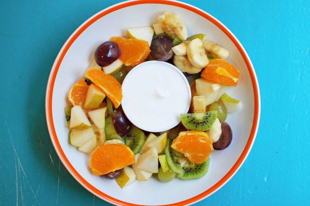 Ovocný šalát s gréckym jogurtom - 4,50€