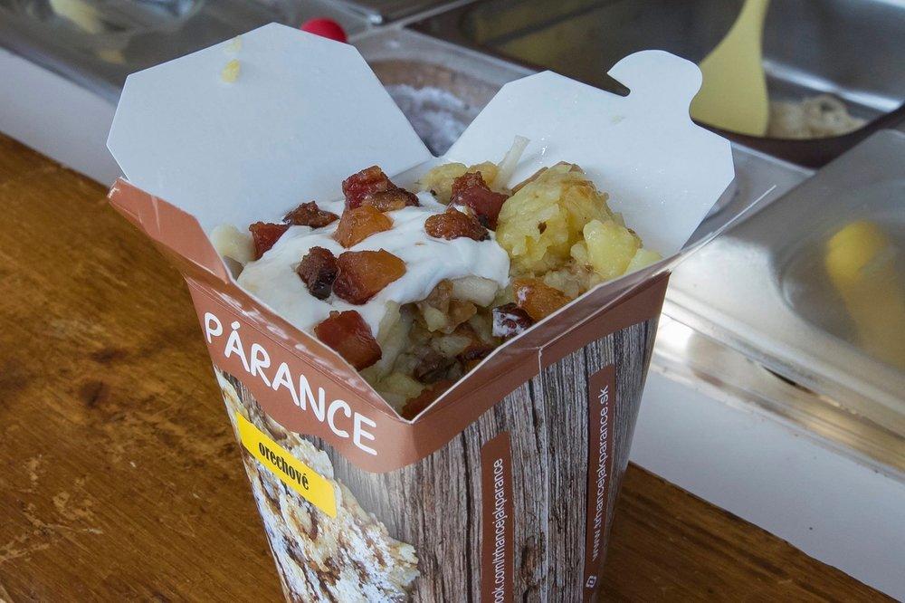 Trhance jak párance s pečenými zemiakmi (smotana + slaninka) 300g - 4€