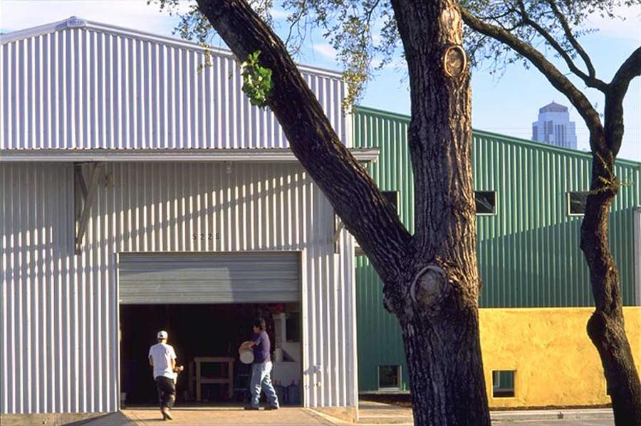 09-SMITH-garage-door-ext.jpg