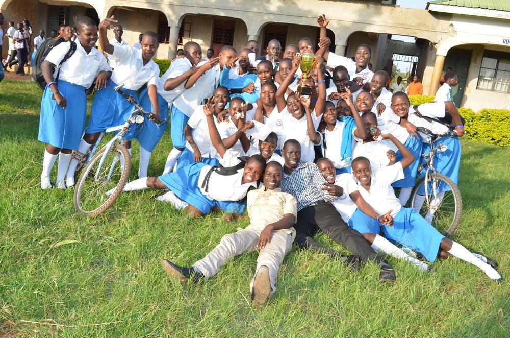 Rapha Girls school_The winners celebrate.JPG