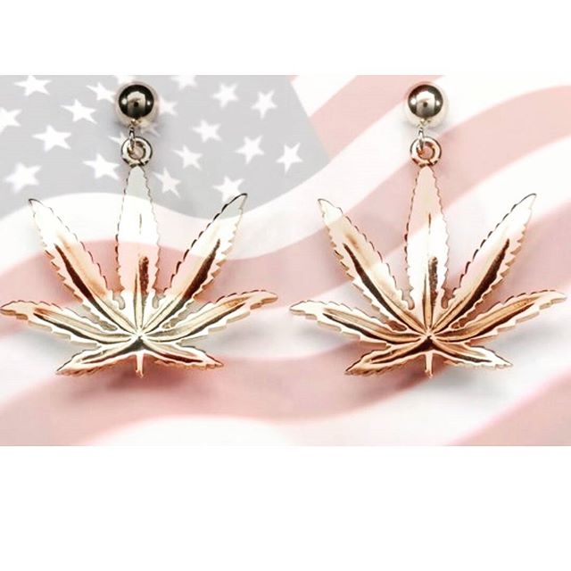 Home of the #blazed! #endprohibition  #oneleafatatime #cannactivist #classycannabis #cannabisjewelry #cannabiscommunity #cannabissociety #cannaprenuer #womeninweed #womenofweed #womenwhogrow #mmj #gangapreneur #14k #14kt #earrings #potleaf  Link to purchase in bio