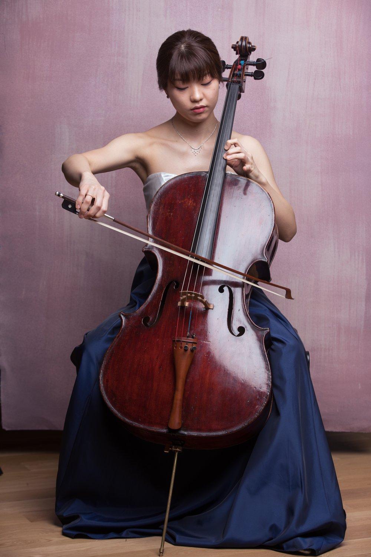 Joy Yanai, cello