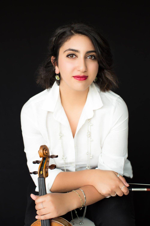 Eva Aronian, violin