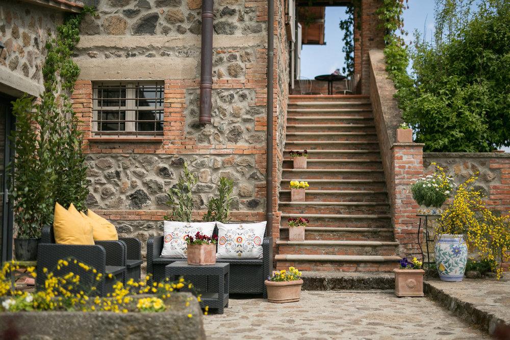 vignette_outside_bandb_my_home.JPG