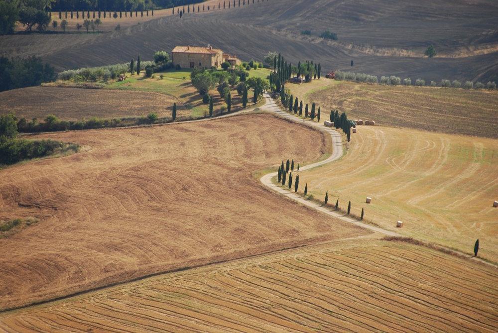 val-dorcia-tuscany-surroundings.jpg