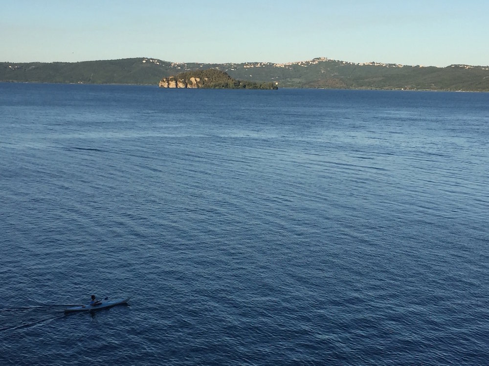 lake-bolsena-kayaking.jpg