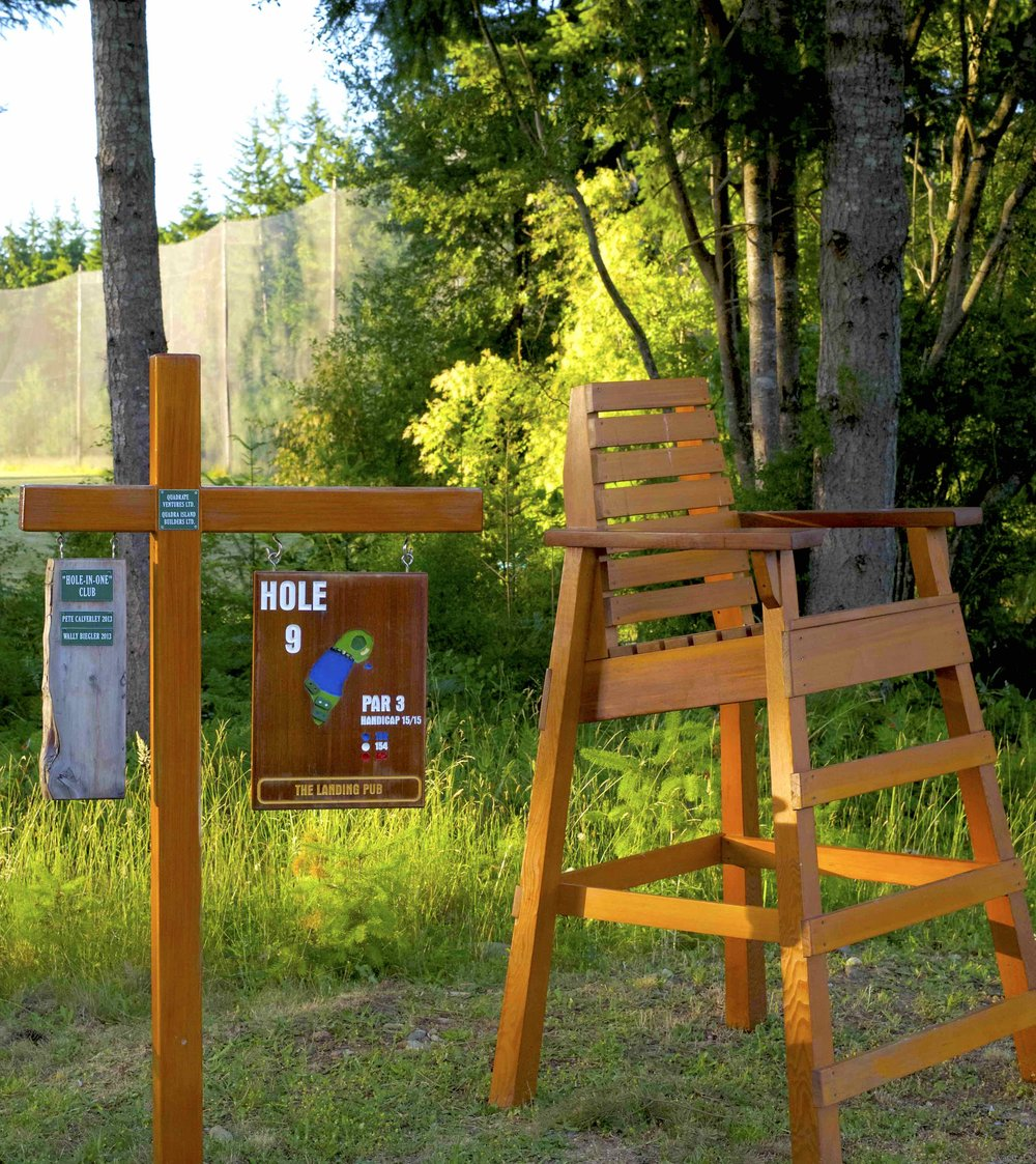 QuadraGolf_Hole9_sign_chair_DSC00551.jpg