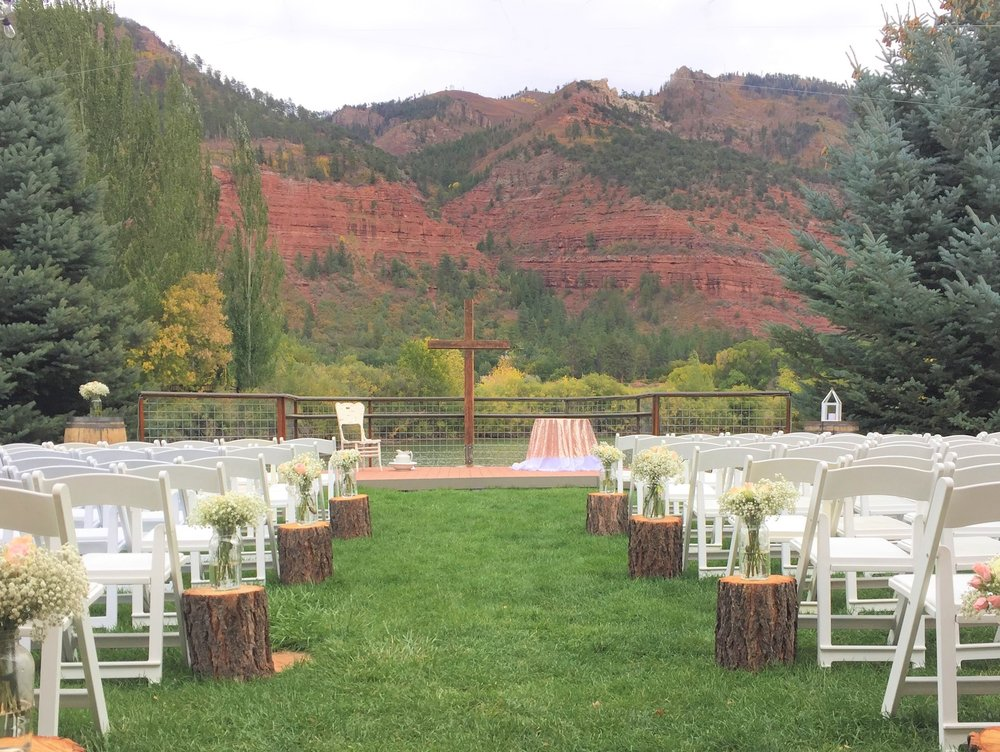 Weddings - Want mountain views? We have that.Want waterfront? We have that.Want willow trees? We have that, too! Choose from four ceremony sites.