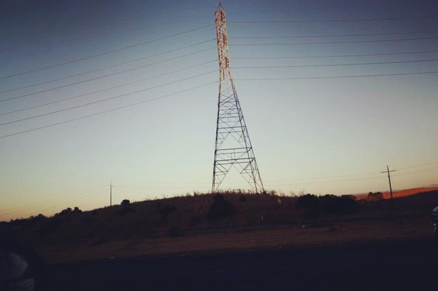 Thinking back to California drives at dusk.  Happy Friday!  #electricamerica #ontheroad #traveler #usa #california