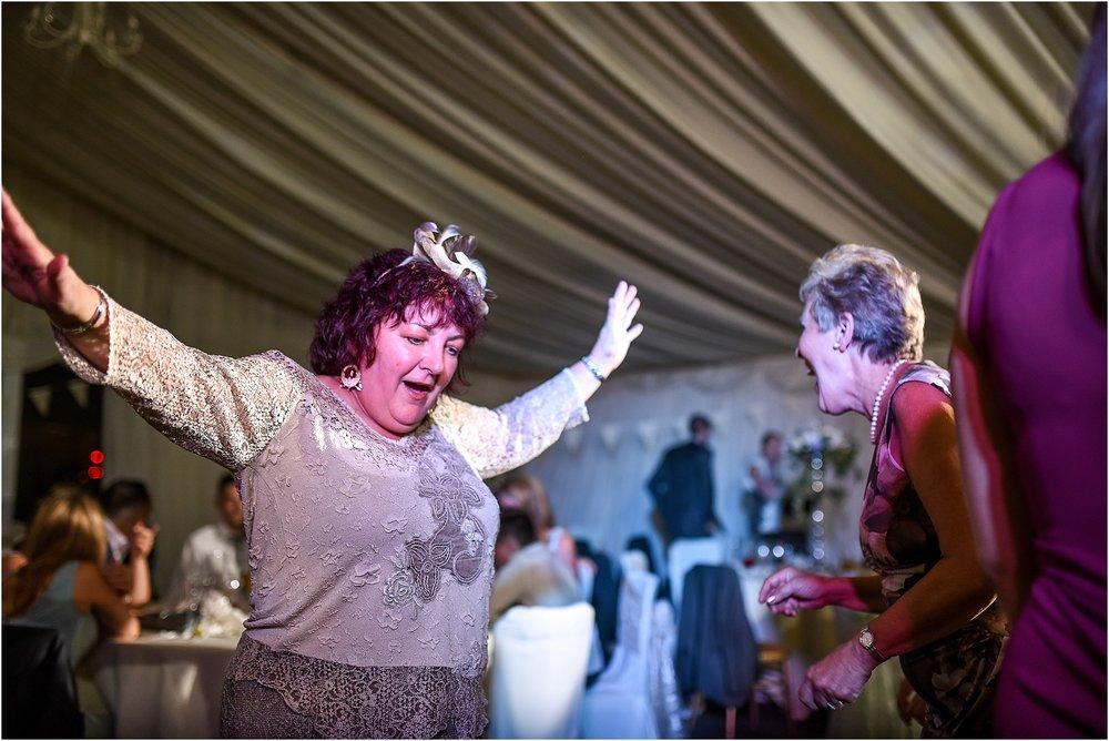 staining-lodge-wedding-127.jpg