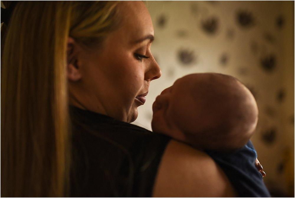 lancashire-family-portraits-documentary-newborn-37.jpg