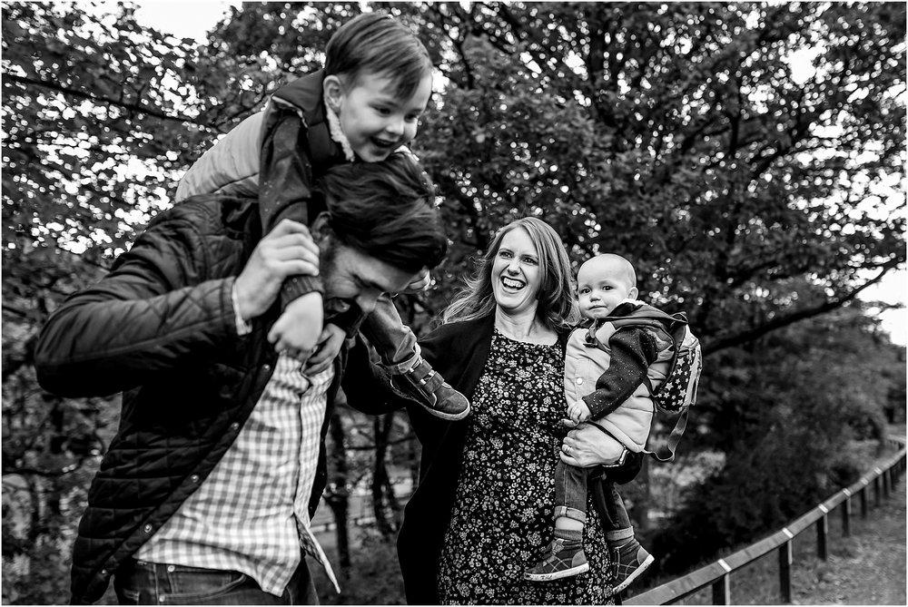 yarrow-valley-country-park-family-shoot - 29.jpg