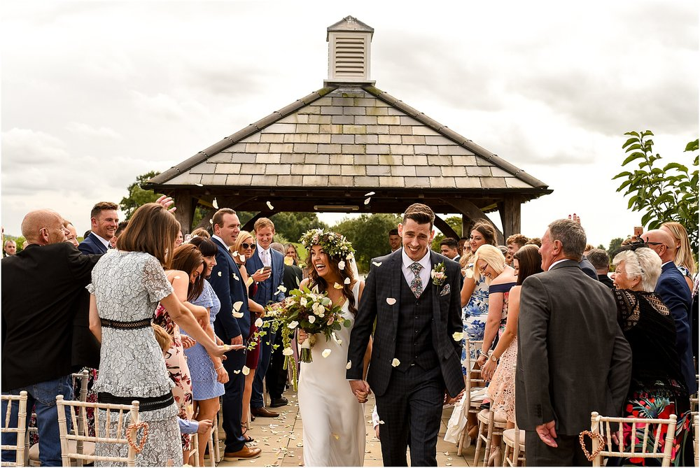 sandhole-oak-barn-summer-wedding-31.jpg