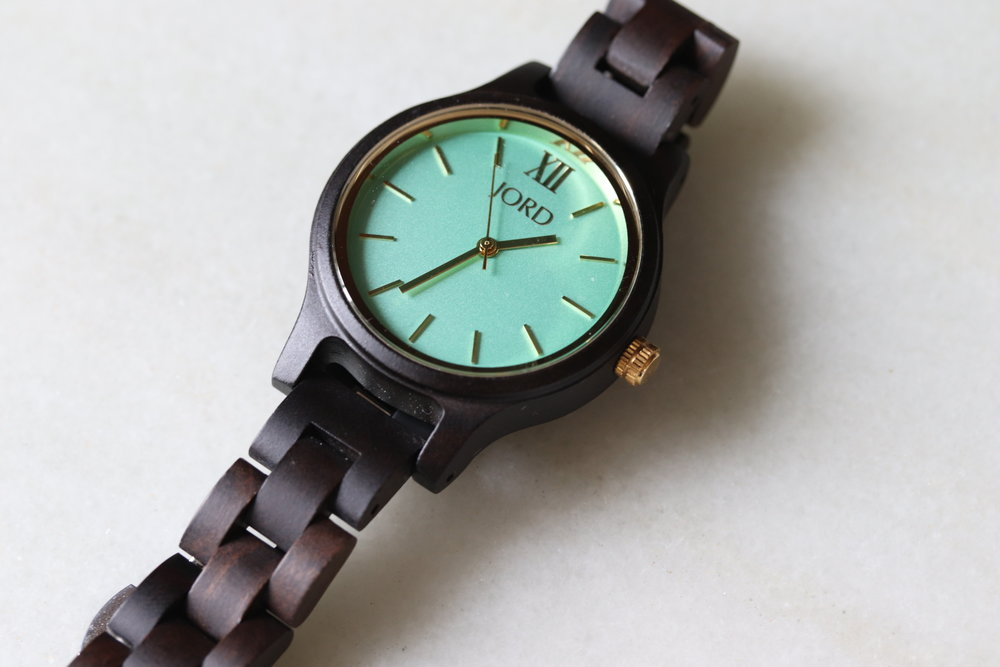 Jord Watches Frankie 35 Series in Mint and Dark Sandalwood