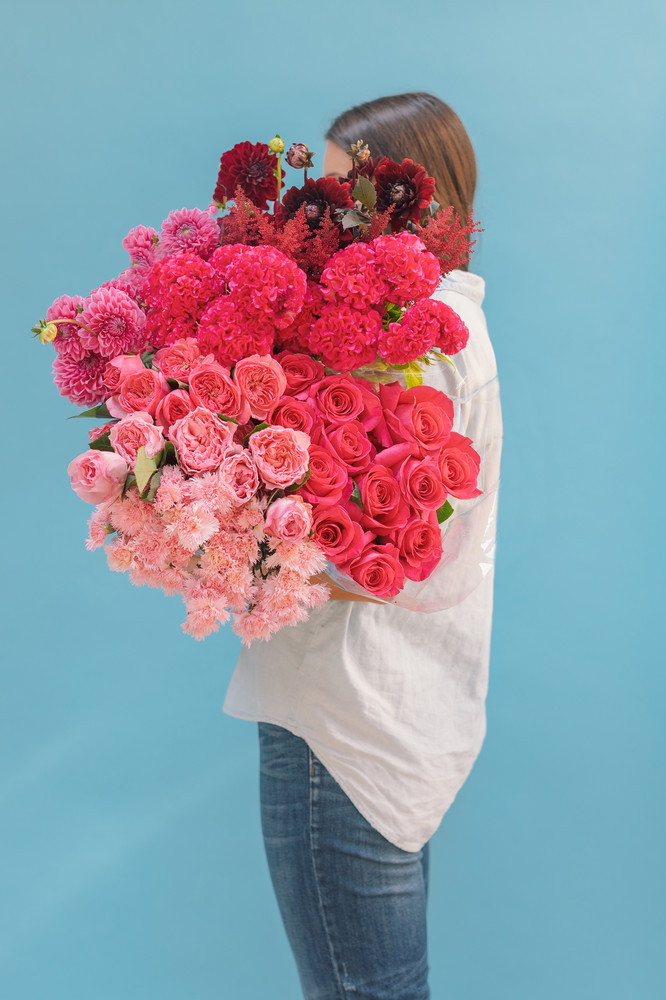 the-easiest-way-to-make-any-flowers-look-expensive-pink-ombre-floral-59c57dd91c2f5d146a42e734-w1000_h1000.jpg