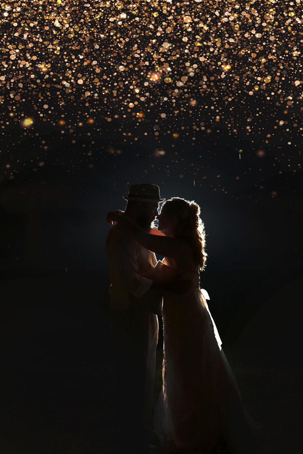 Sparkly photo of the bride and groom