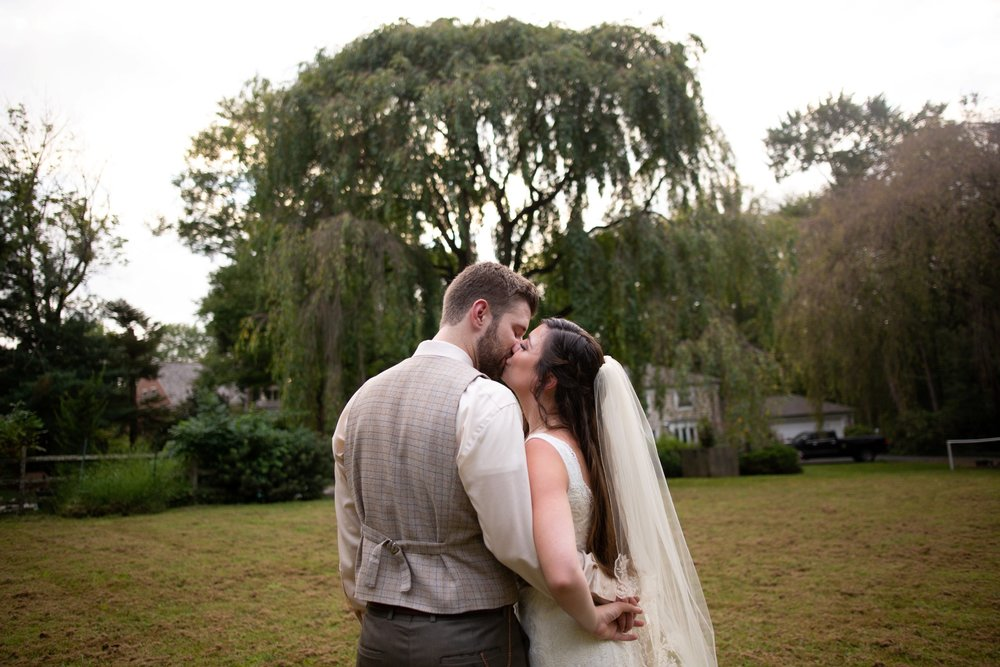 willow tree wedding photos