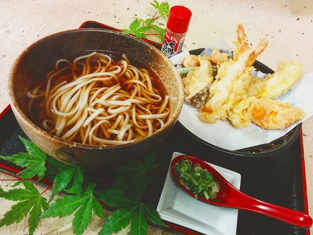 This rainy & chilly spring season calls for some Tempura Udon Soup 🍤🍜 (Comes as Tempura Soba Soup too) . . . #huntingtonvillage #huntingtonny #longisland #longislandny #longislandlife #longislandfoodie #longislandrestaurant #longislandeats