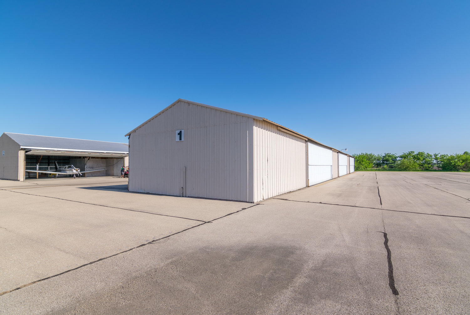 about hangars — whiteside county airport