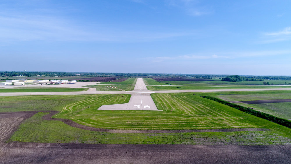 DOWNLOAD   Runway 36 (approach view)