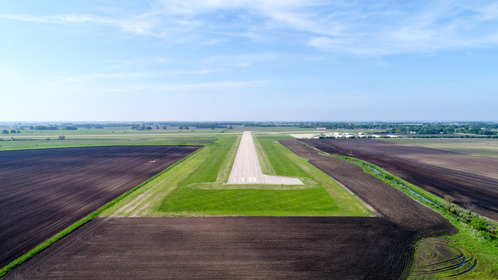 DOWNLOAD   Runway 18 (approach view)