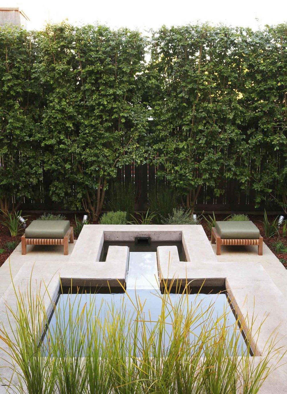 Garden Vignette by Arterra Landscape Architects Photo by Michele Lee Willson