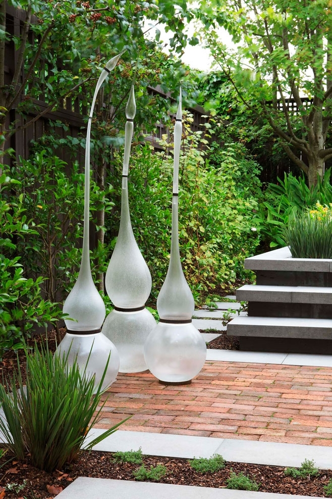 Floating Planes by Arterra Landscape Architects. Photography by Michele Lee Willson