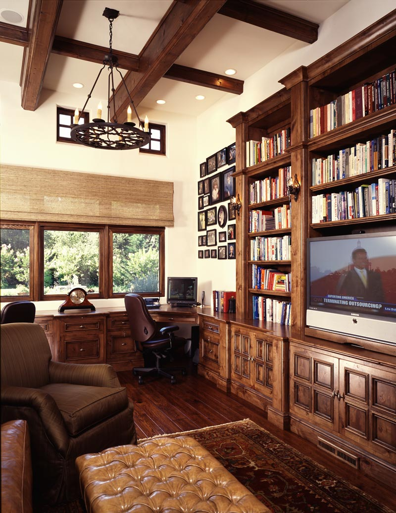 MCMAHON FAMILY ROOM.jpg