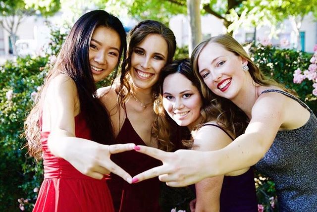 how convenient that #wlfeowednesday and #nationalgirlfriendsday are the same day 🌟 || tell us about your best girlfriends in the comments below ⤵️ • • • #nationalgirlfriendsday #ucdavisadpi #gogreek #womenempowerwomen