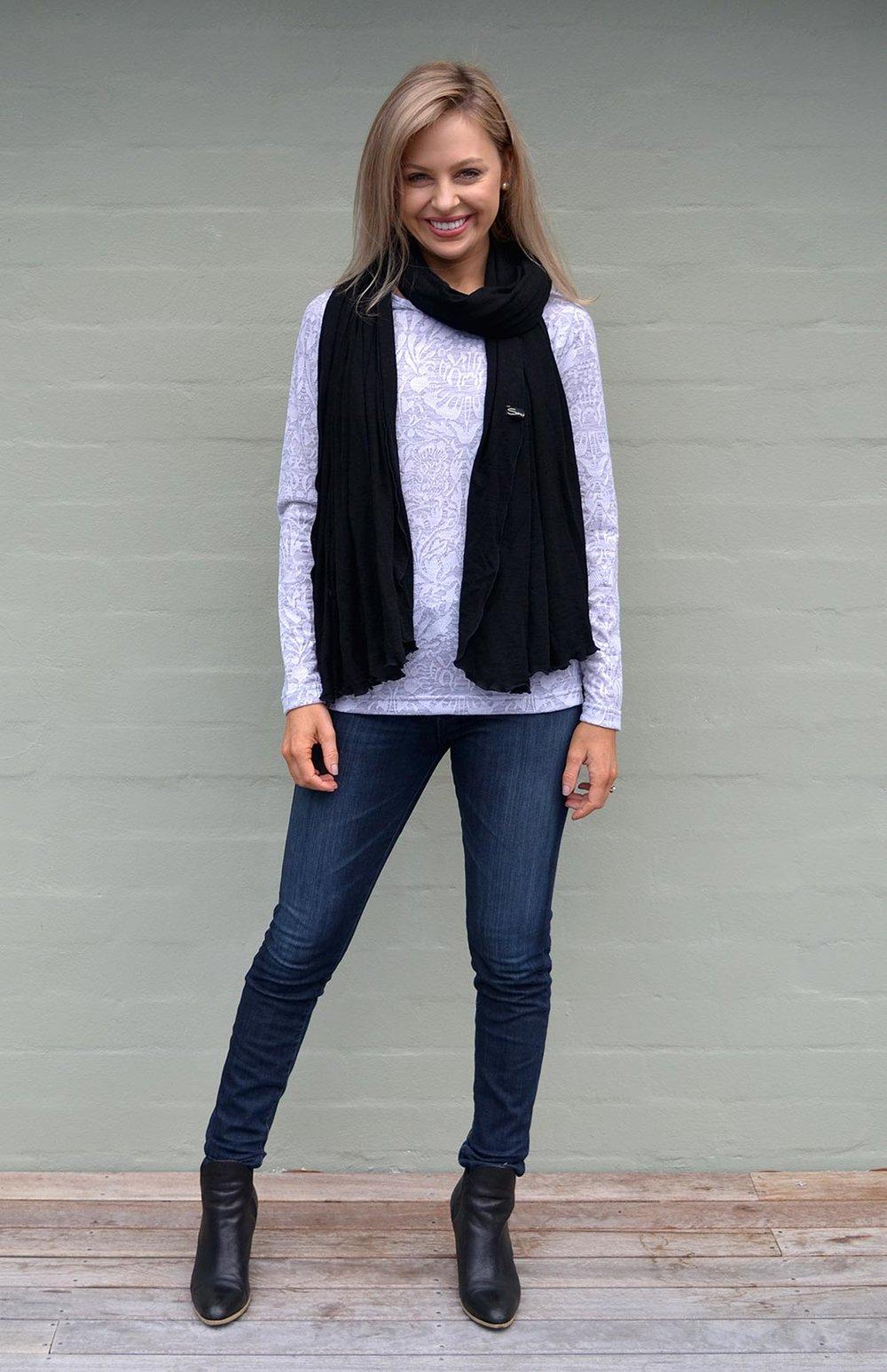 8404-wide-merino-scarf-black-new-1.jpg