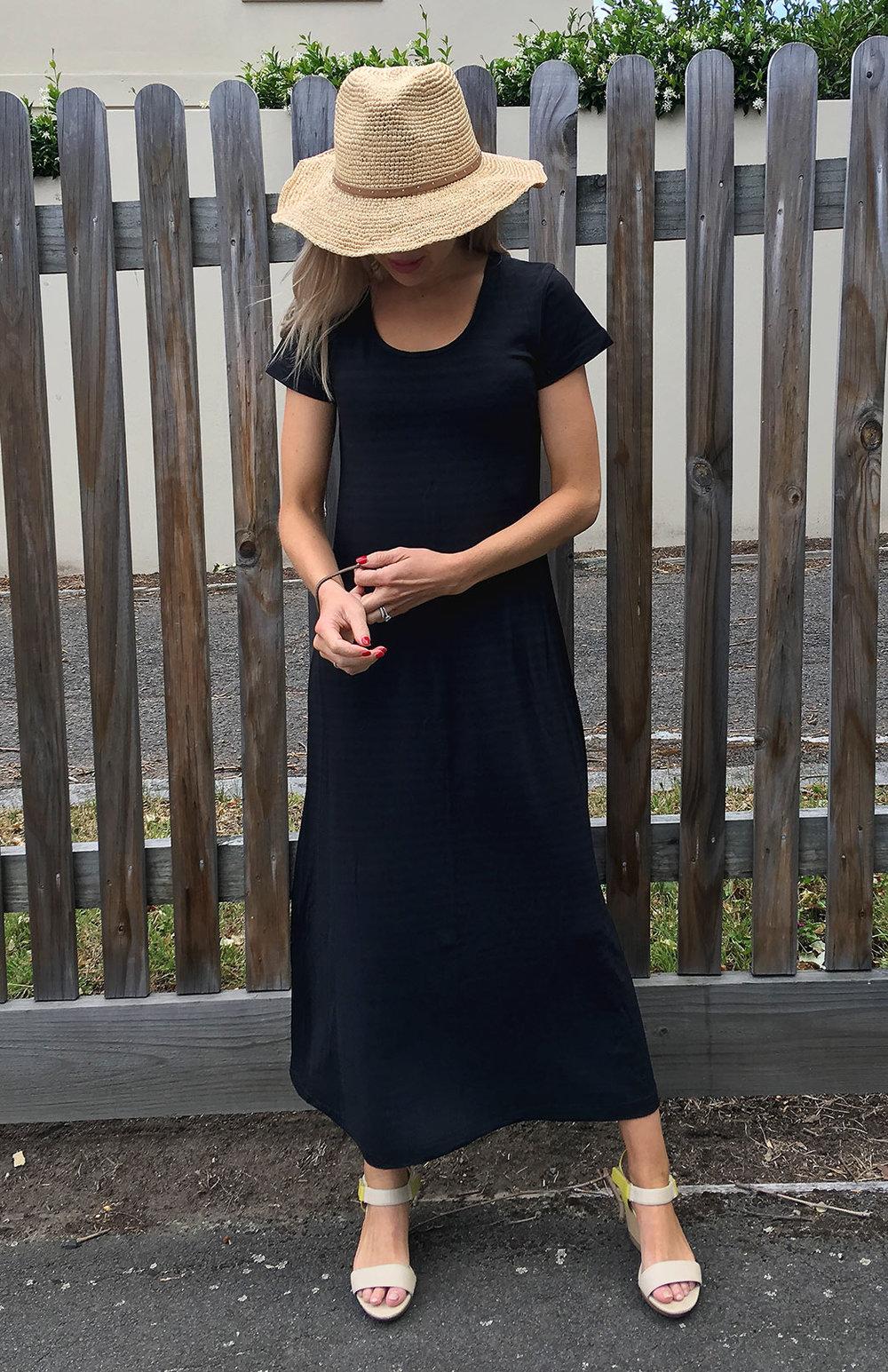 8574-tshirt-maxi-dress-black-coal-stripe-00.jpg
