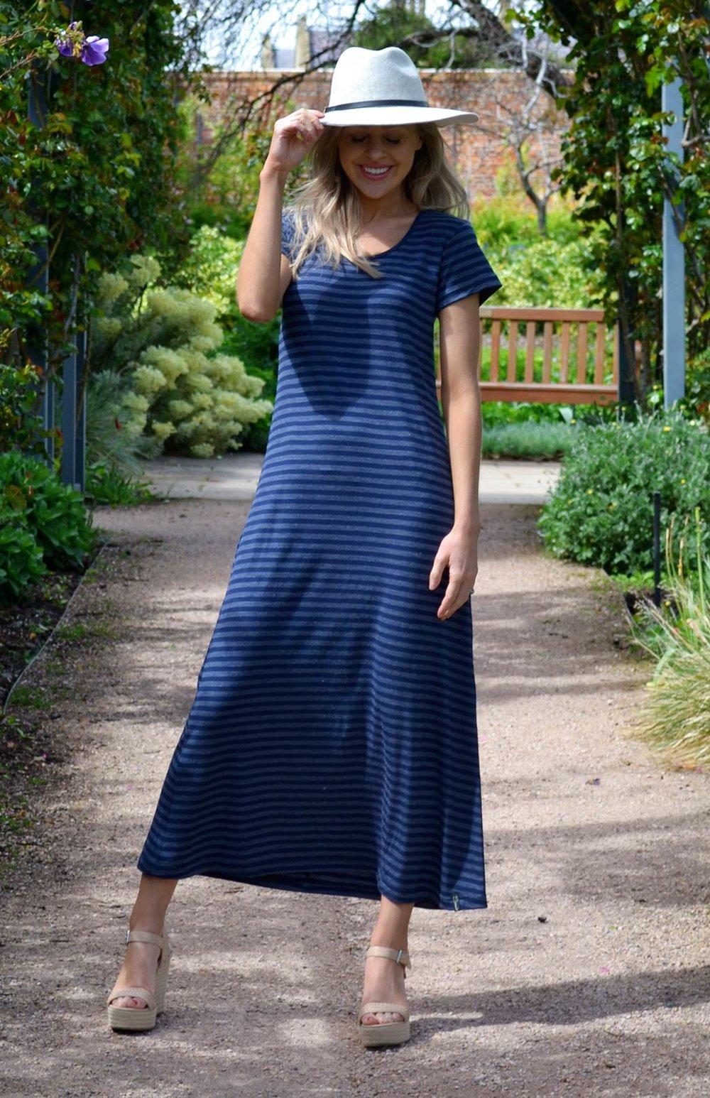 8574-tshirt-maxi-dress-indigo-stripe-01.jpg