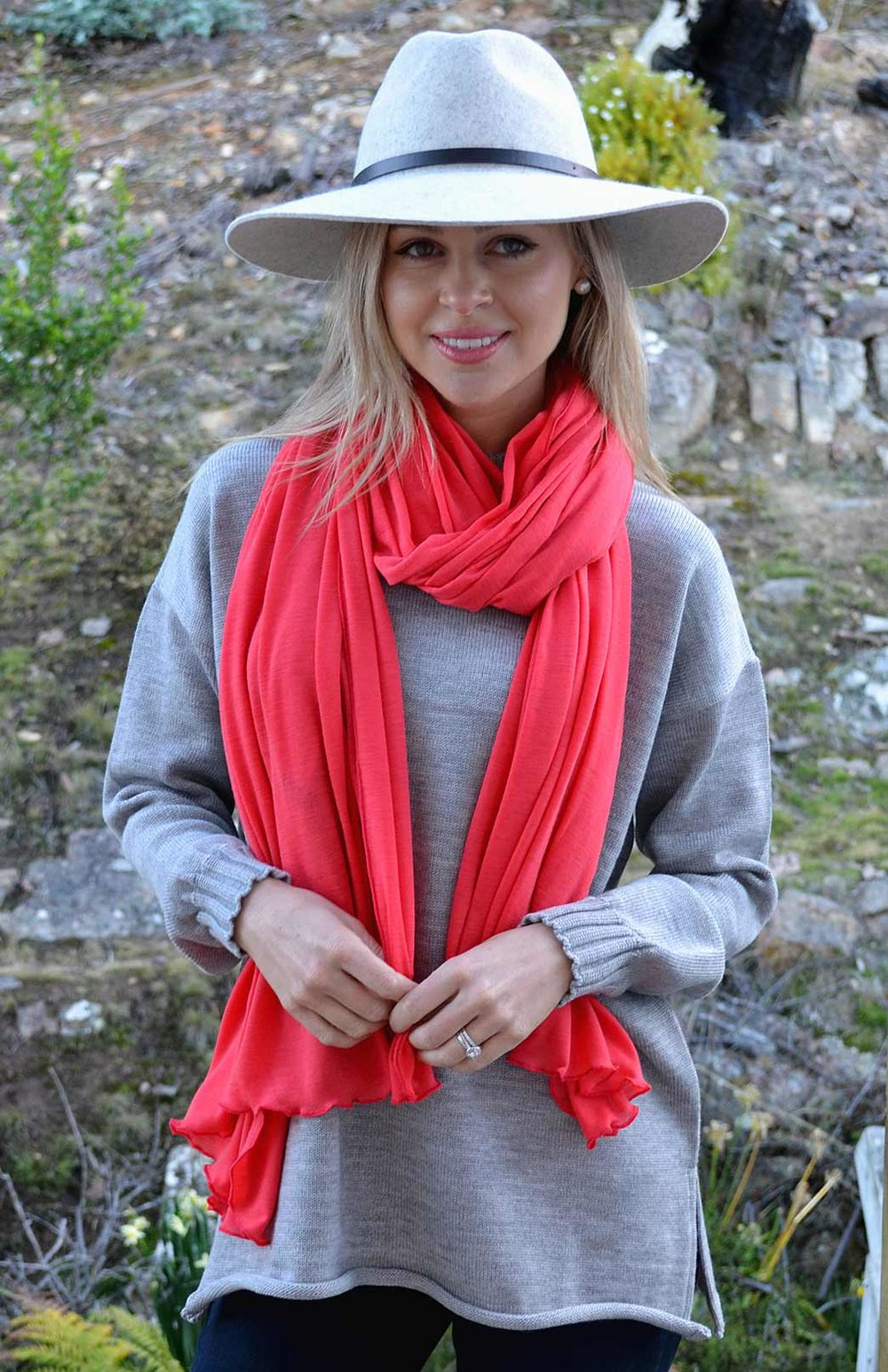 8404-wide-merino-scarf-salmon-pink-04-hero.jpg