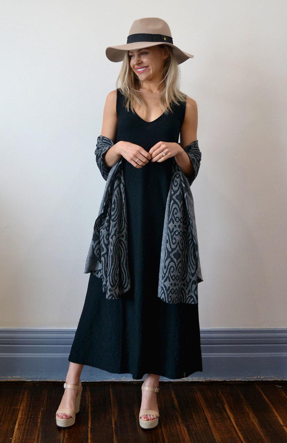 8404-wide-merino-scarf-dark-inca-studio-0.jpg