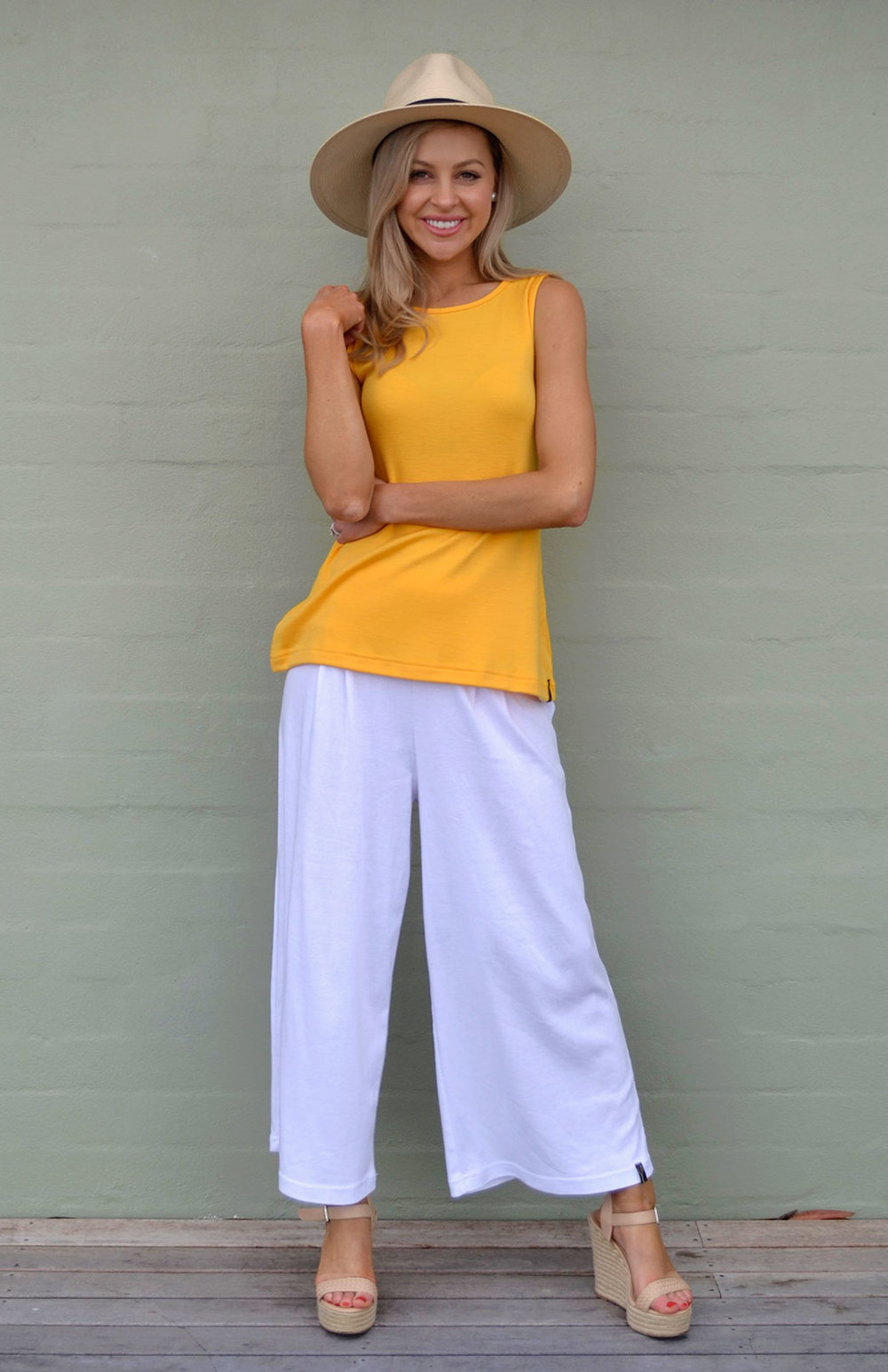 8569-capri-top-dandelion-yellow-00-studio.jpg