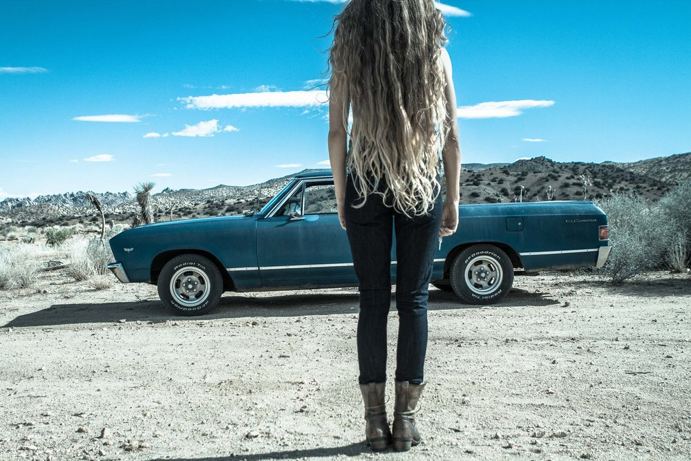 el_camino_desert_girl_long_hair_boots.jpg