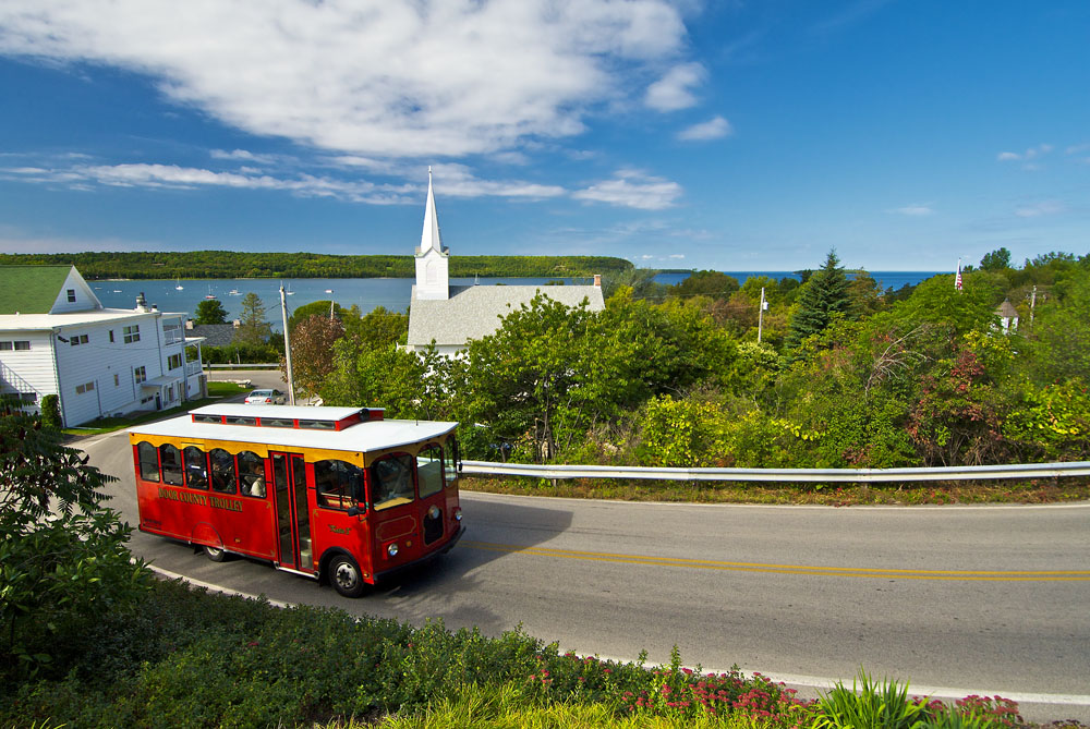 Scenic tours with the Door County Trolley