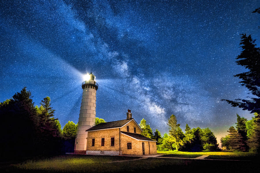 cana-island-lighthouse-milky-way-in-door-county-wisconsin-christopher-arndt.jpg