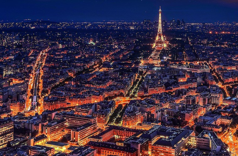 Paris-night-lit-up