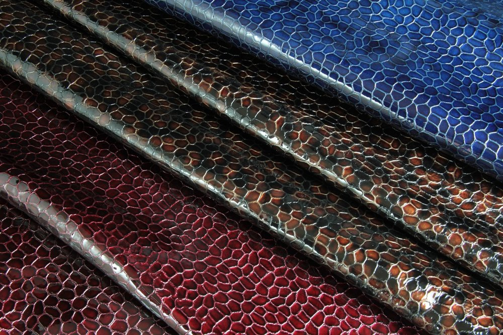 Dias Ruivo: New Product, Glamour, Rubi  This leather can be used to create shoes, handbags and fashion accessories. It is also suitable for interiors and upholstery.