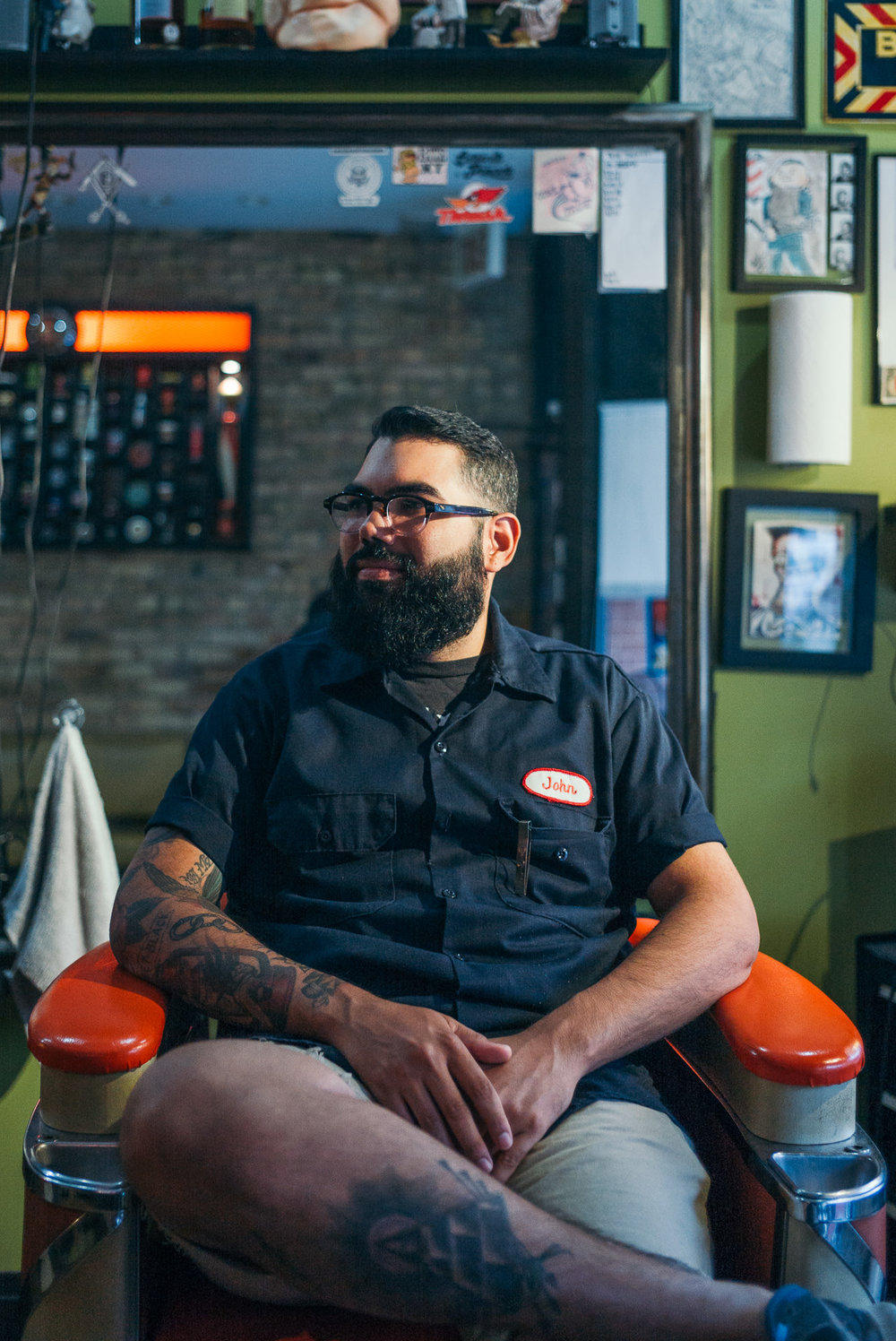 petes_barber_shop_chicago_johnny.jpg