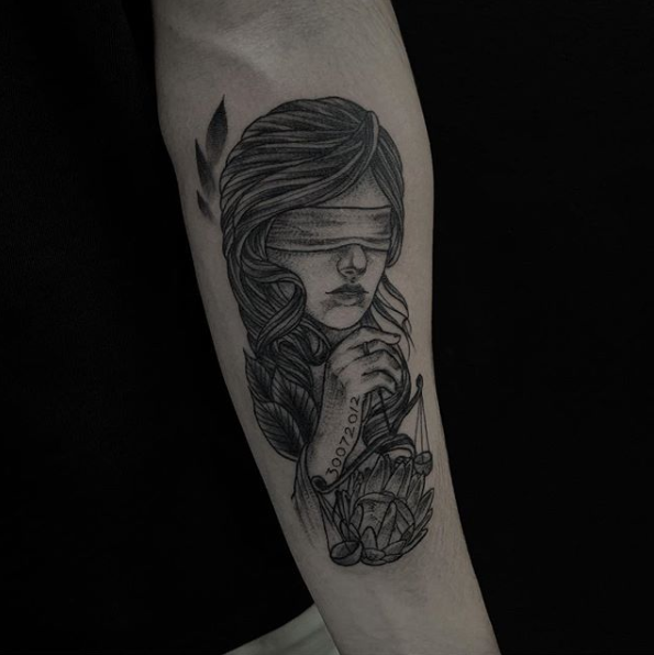 girl-tattoo.PNG