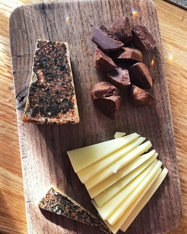 "✨Le Maréchal + Cappuccino Chocolate Truffles✨ Thanks for selling me on this pairing @volta427 it's so good😭 🧀🍫☕️ • #LeMaréchal is made in Switzerland 🌲 with a rind rubbed with oregano and thyme. It's creamy and savory with a bit of an herbal zing. It's a favorite! • Does anyone else do this? My thoughts always get merged in with music and song lyrics. Right now it's, ""she'd dream of PAIR-a, pair-a, paradise... ohwuh ohwuh oh oh oh"" (recognize this song!? 😆) • #cheesustakethewheel #ilovecheese #cheesuslovesyou #cheese #cheesepairing #lemarechal #alpinecheese #cheesemonger #cheeselove #🧀🧀🧀"