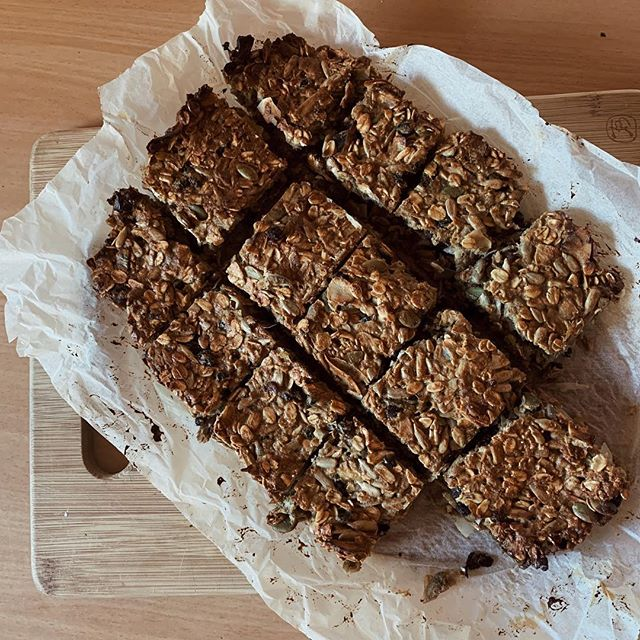 Bircher muesli slice  For pregnant and breastfeeding mammas this is a good one to keep your protein up during the day (or for anyone with an active lifestyle). In pregnancy and breastfeeding you need to consume an extra 15-20g protein a day, so snacks are a great way to do this.  Recipe  2 cups rolled oats 1/4 cup chopped dates (or other dried fruit)  Big handful each of pumpkin seeds and sunflower seeds (or other nuts or seeds)  2 tbsp tahini 3 tbsp raw honey 1 apple grated 4 tbsp vanilla protein powder (I use Thriving Protein)  3 eggs  Add all ingredients into bowl except eggs. Whisk eggs, then add to rest of ingredients and mix well. Place in a baking tin lined with baking paper. Place in oven preheated to 180 C for 25-30mins. Makes 16 squares.