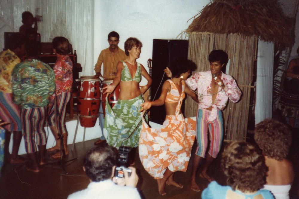 Sega dancers entertaining us -